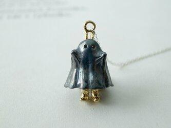 【受注制作】おばけのふりをするうさぎのネックレス(ブラック・真鍮)の画像