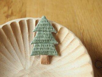 [受注制作]もみの木の刺繍ブローチの画像