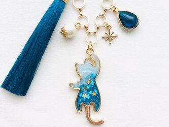 ぶらさがり猫バッグチャーム(青の奇跡)の画像