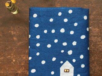 藍染め ブックカバー「雪降る日」の画像