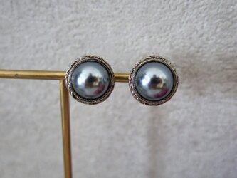 new☆15mm【イヤリング】黒真珠のような美しさ アンティークボタンイヤリング パールイヤリング シルバー枠の画像
