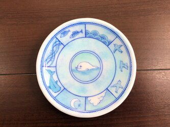 アザラシの棲む風景皿の画像