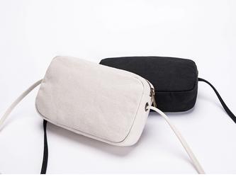 【0005黒】小ぶりで可愛いミニショルダーバッグ  キャンバス 帆布  ファスナー付きバッグの画像