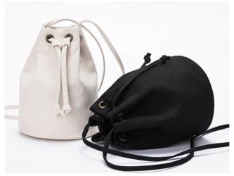 【0004黒】 キャンバス 帆布バッグ 可愛いショルダーバッグ ポーチ 巾着ショルダーの画像
