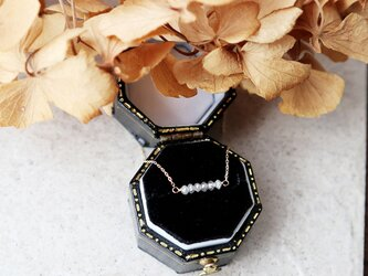 【K10】オフホワイトダイヤモンドのバーネックレスの画像