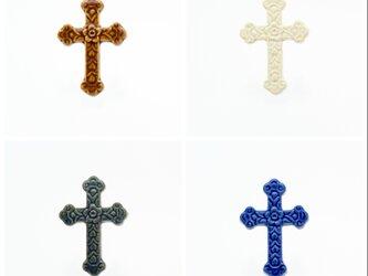 陶器ブローチ 十字架-Classic-の画像