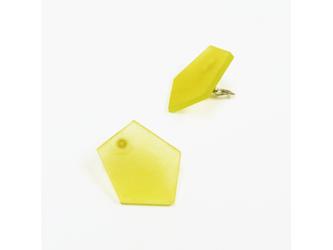 3色から選ぶ[片耳用ピアス]草木染め五角形/E-6_P_PDの画像