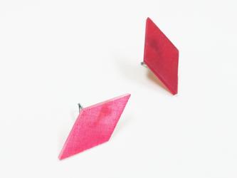 3色から選ぶ[片耳用イヤリング]草木染め菱形/E-6_DS_PDの画像
