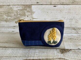 大人かわいい手刺繍ミモザの小さめポーチ 国産帆布 デニム コットン ニットの画像