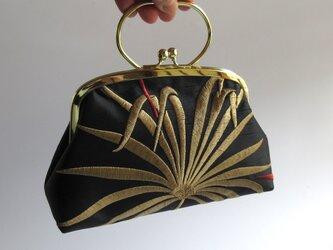 がま口型ポーチバッグ・シュロの葉の刺繍(英国製)の画像
