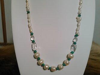 真珠 トルコ石 水晶 ネックレスの画像