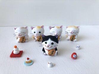 招かない猫さん 白黒の画像