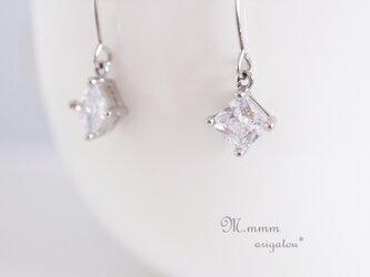ダイヤ型スクエアピアス(ジルコニア) silver*の画像