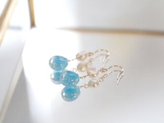 一粒ガラスと淡水パールのピアス 14kgf / 青の画像