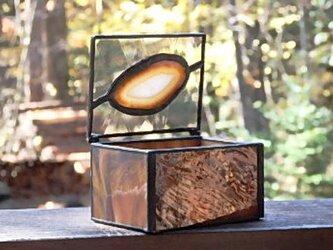 ステンドグラス 茶色の小箱の画像