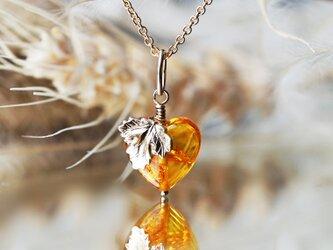 バルト海琥珀によるヘスペリデスの黄金の林檎ネックレス ~Golden appleの画像