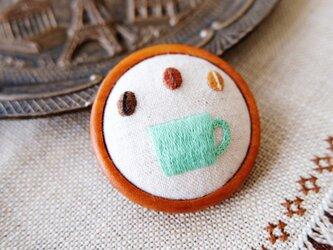 cafeブローチ・小(マグカップ・緑)☆刺しゅう アクセサリー コーヒーの画像