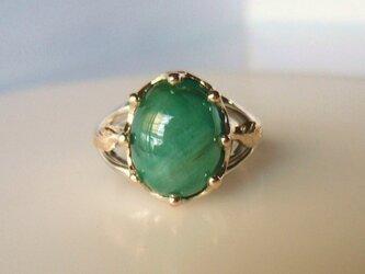 天然エメラルドのミルククラウンの指輪(Silver & K10)の画像