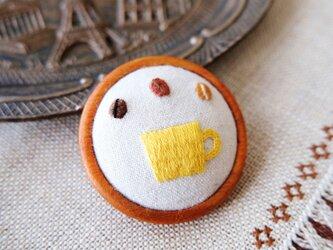 cafeブローチ・小(マグカップ・黄)☆刺しゅう アクセサリー コーヒーの画像