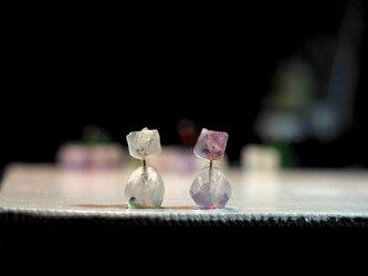 氷砂糖のようなFluoriteスタッドピアスの画像