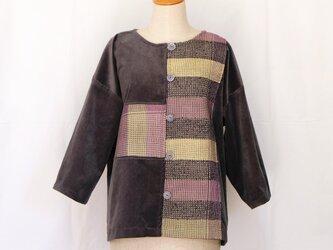 草木染手織り入りジャケットの画像