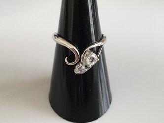 キュービックジルコニアのリング(ロジウムメッキ)の画像
