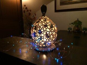 【陶房 然庵】陶器製珊瑚砂インテリアランプ1(LUMINARAキャンドルライト、4色ジュエリーライト付)の画像