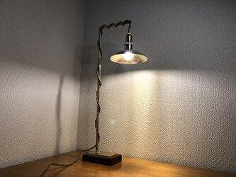 真鍮のサイドテーブルライトの画像