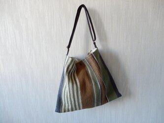 裂き織りのくたっりショルダーバッグの画像