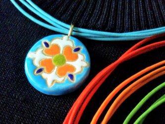 スペインタイルネックレス 水色伝統橙緑丸 の画像