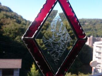 ステンドグラス サンキャッチャー赤の画像
