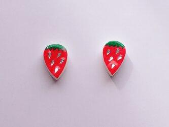 小さな苺ちゃんピアス/イヤリングの画像