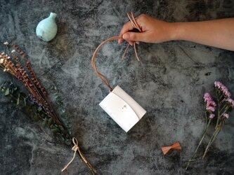 ホワイトレザー(栃木レザー)_ホワイト◆外装◆あかちゃん財布◆三つ折りの画像