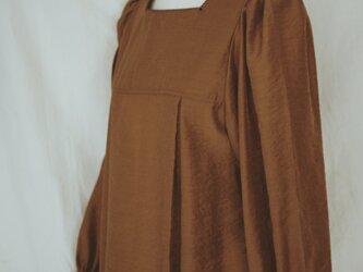 Luster fabric blouse*ブラウンの画像