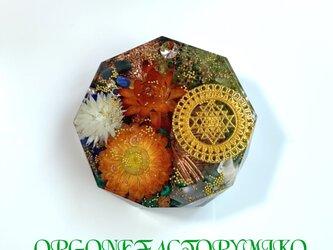 ☆豊かな富をもたらすシュリヤントラ 幸運 金運 ポジティブ ケオン 六芒星 幸運メモリーオイル入り コースター型 オルゴナイトの画像