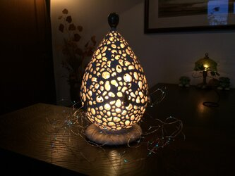 クリスマスツリー 陶器製珊瑚砂インテリアランプ「シルバー」(LUMINARAキャンドルライト、4色ジュエリーライト付)の画像