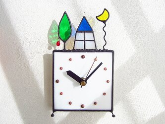 ステンドグラスの掛け&置き時計・月と家と果樹の画像