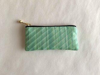 絹手染ミニポーチ(5.2cm×10.8cm 縦・緑系)の画像