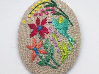 刺繍ブローチ・ことりとお花 (ベージュ)の画像