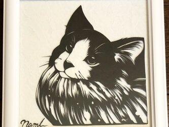 額装済み切り絵作品・猫1の画像