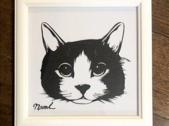 額装済み切り絵作品・猫2の画像