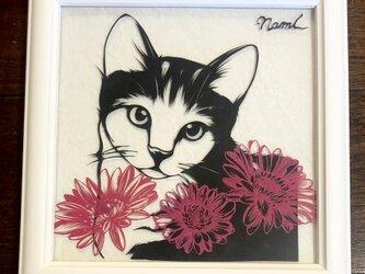 額装済み切り絵作品・猫5の画像