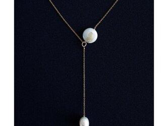 淡水真珠による満月と月の雫のY字セミロングネックレス50cm ~Hanaの画像