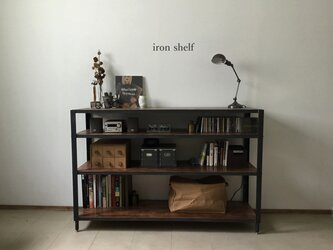 iron shelfの画像