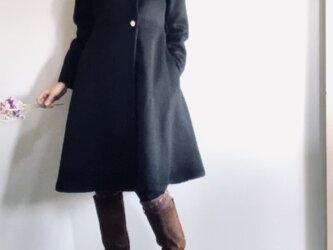 アルパカシャギー 毛並の美しいXラインのドレスコート ミディ丈 黒の画像
