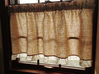 リネンのフリルカフェカーテンの画像