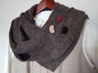 羊毛フェルトの お豆ブローチ3粒セット BkDRBeの画像