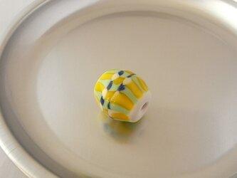 モザイク球・イエロー・ガラス製・とんぼ玉の画像