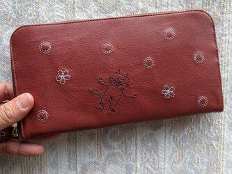 刺繍革財布『shuwa-hana-ネコ』薄紅色(ヤギ革)ラウンドファスナー型の画像