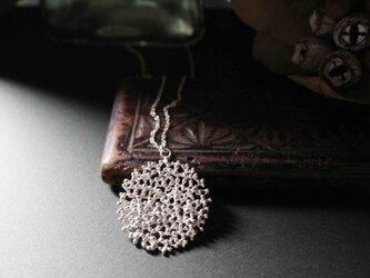 粒々と丸のネックレス(シルバー)の画像